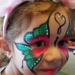 maquilleuse papillon rose et vert